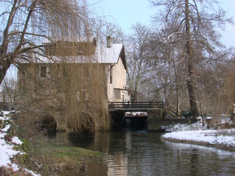Moulin de taillepetit sous la neige