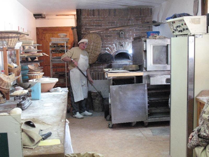 La boulanger en plein travail