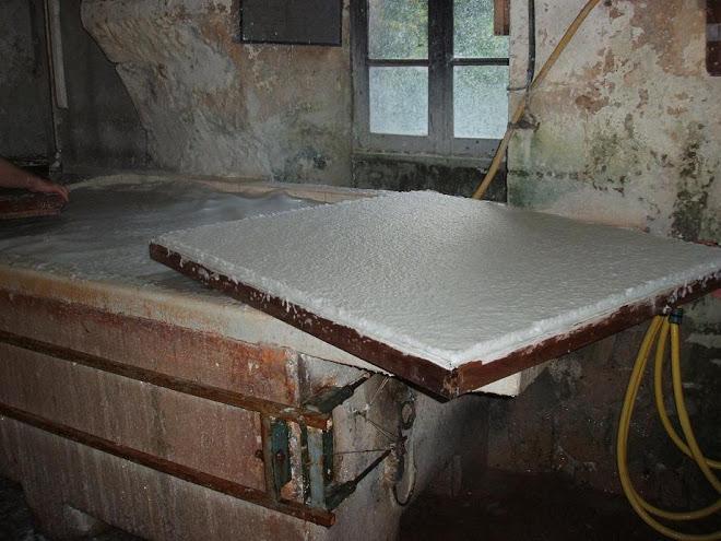 Feuilles de papier du Moulin de Larroque