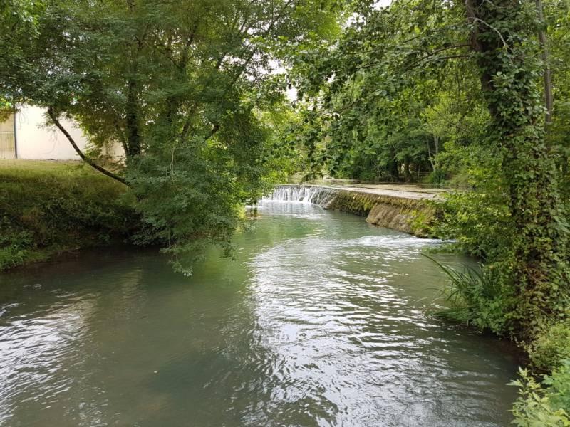 COUZE-ET-SAINT-FRONT - Seuil du moulin de La Rouzique