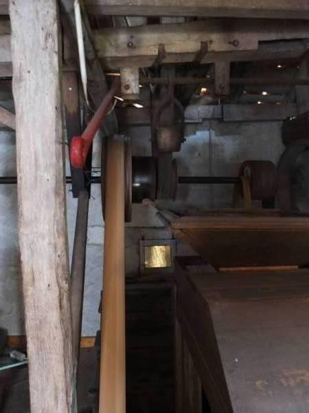 Entrainement des différents éléments du moulin