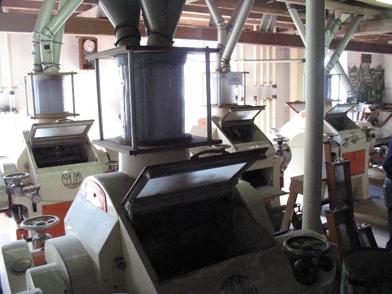Machine à broyer le grain